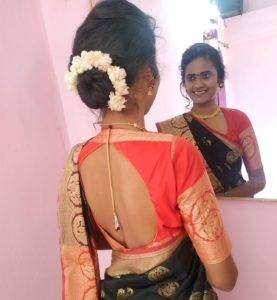 photo poses in saree
