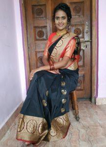 best poses in saree