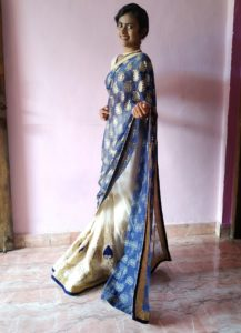 Top 10 Astounding Saree Poses At Home Updated Mirror selfies are so important these days that i actually consider how the clothes i'm buying will look on my instagram feed. top 10 astounding saree poses at home