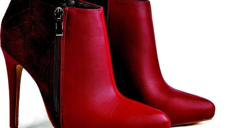 How to Style High Heel Boots This Winter?